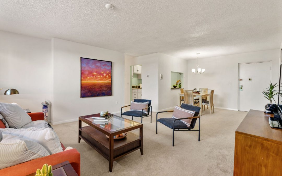 Cheerful Brighton Two Bedroom Condo with Parking!