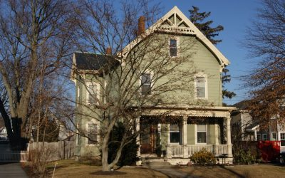 211 Crafts St, Newton, MR1 Zone With Large Level Lot