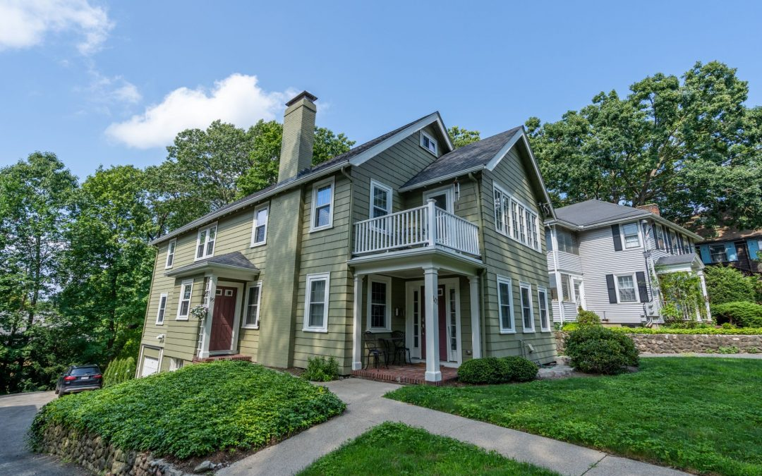Delightful Newton Home Set on a Road Less Traveled!